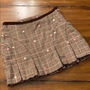 Old Navy plaid skirt, size 7, heart details